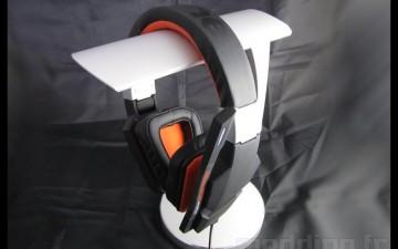 [ZOOM] SILVERSTONE EBA01 – HiFi Audio Headphone Stand