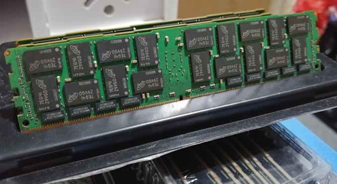 Crucial lance de la DDR4-2666 pour serveur à 4000€ pièce!