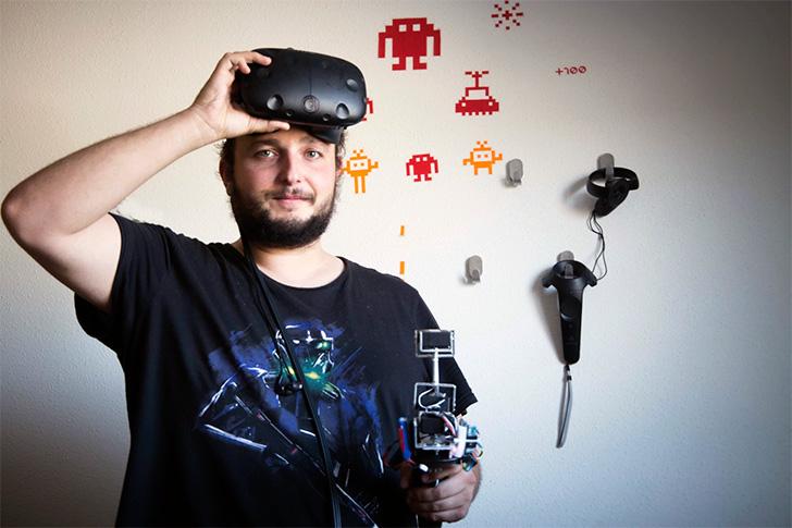 Un accessoire qui permet de ressentir le poids des objets en VR