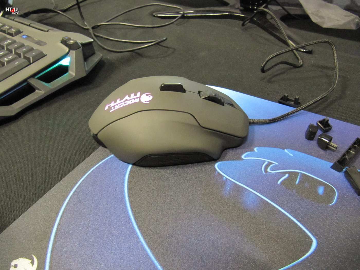 Une souris en kit à imprimer chez Roccat