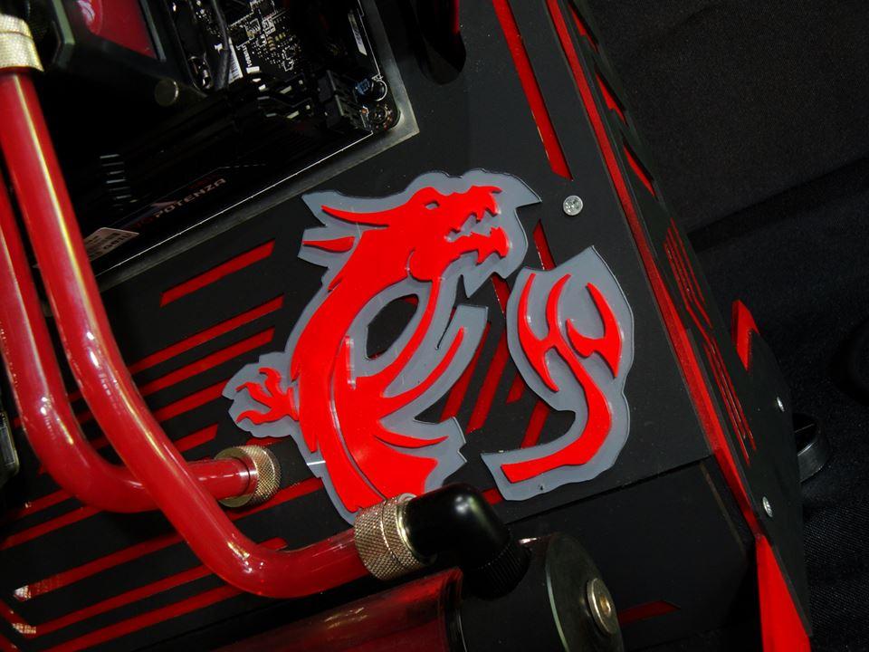 [MOD] MSI Red Dragon par Renaire Christopher Cardoza Lopez