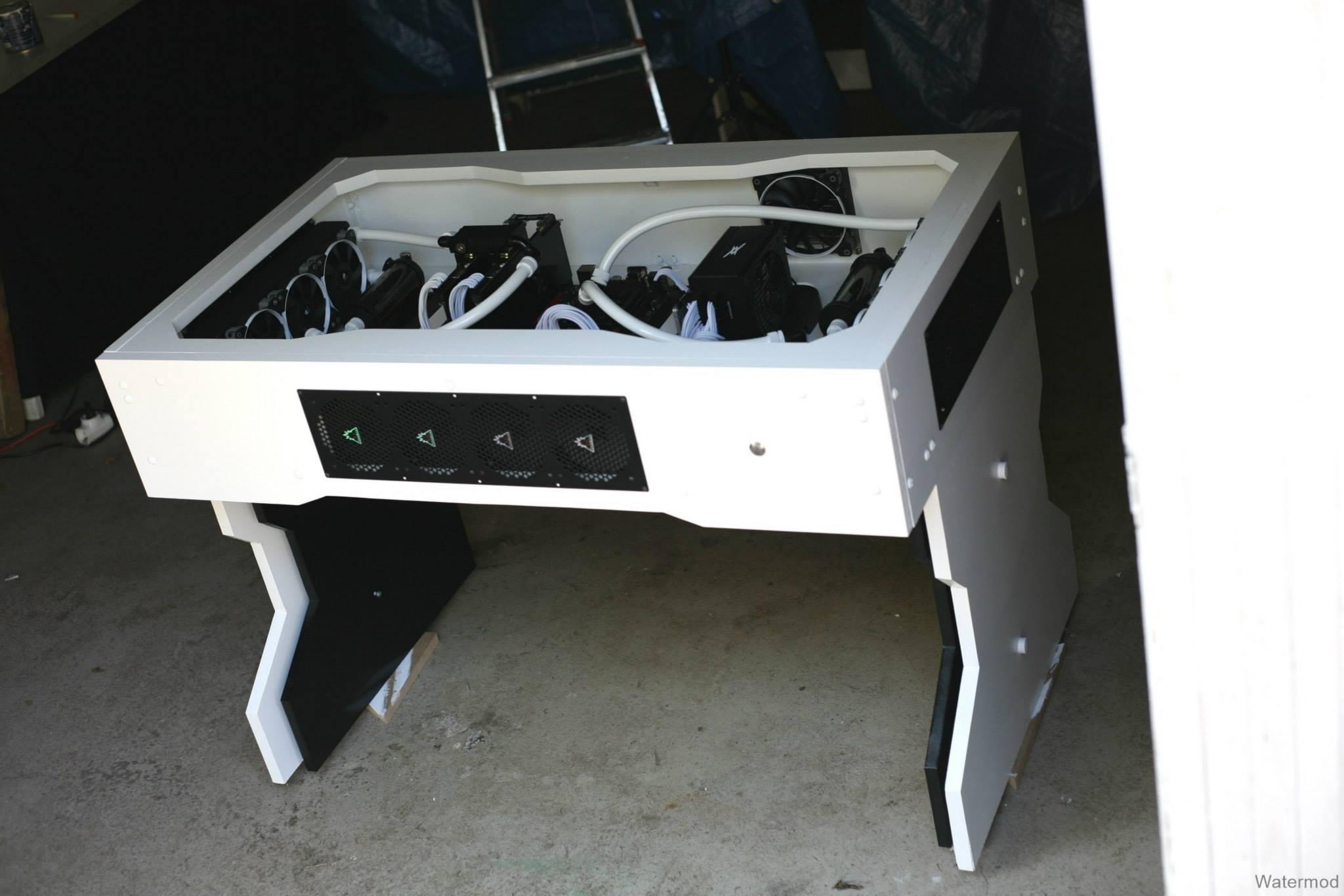 [MOD] Watermod Desk