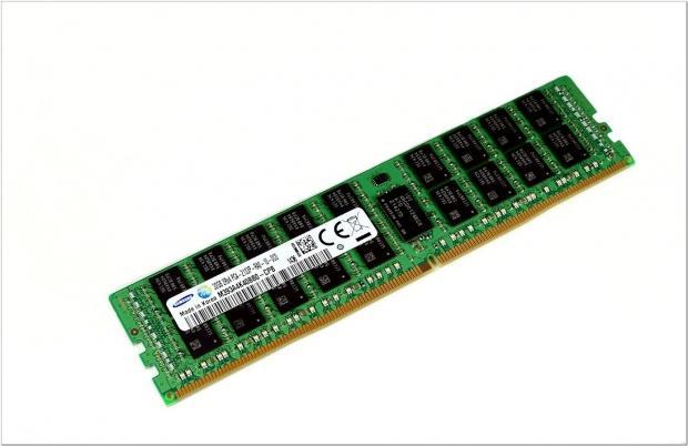 Samsung tease une barrette de 128 Go DDR4 DIMM