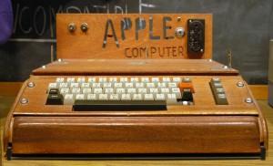 Apple_I_Computer_w_600