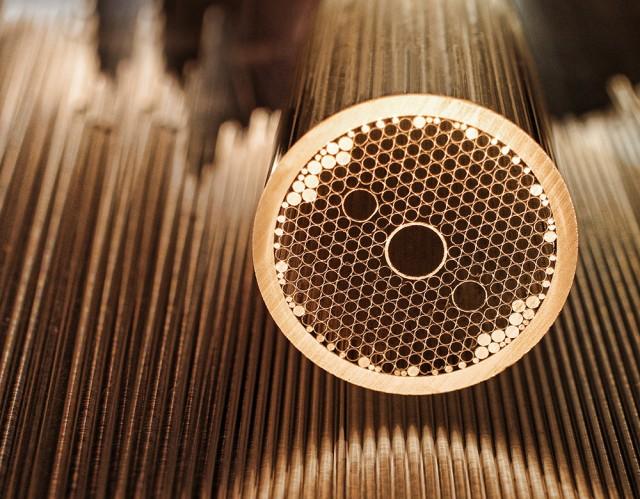 Nouveau record de débit sur fibre optique avec 255 Tbps