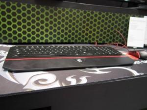 msi-interceptor-ds4100-gaming-keyboard-edge-view_slideshow_main