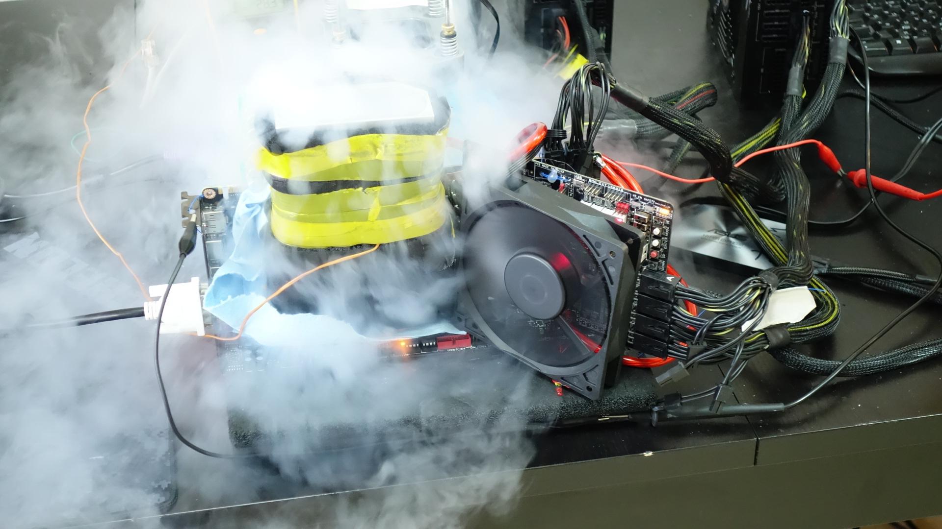 Une Titan X monte sur le podium avec une fréquence de 1900MHz