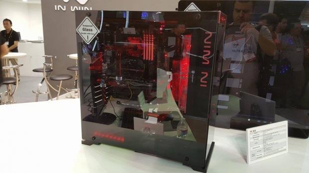 Computex : In Win dévoile un incroyable boitier en verre trempé