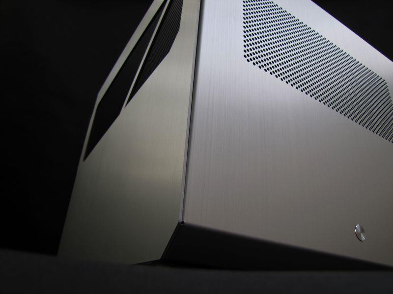 [TEST] PC-V33 A de LIAN-LI