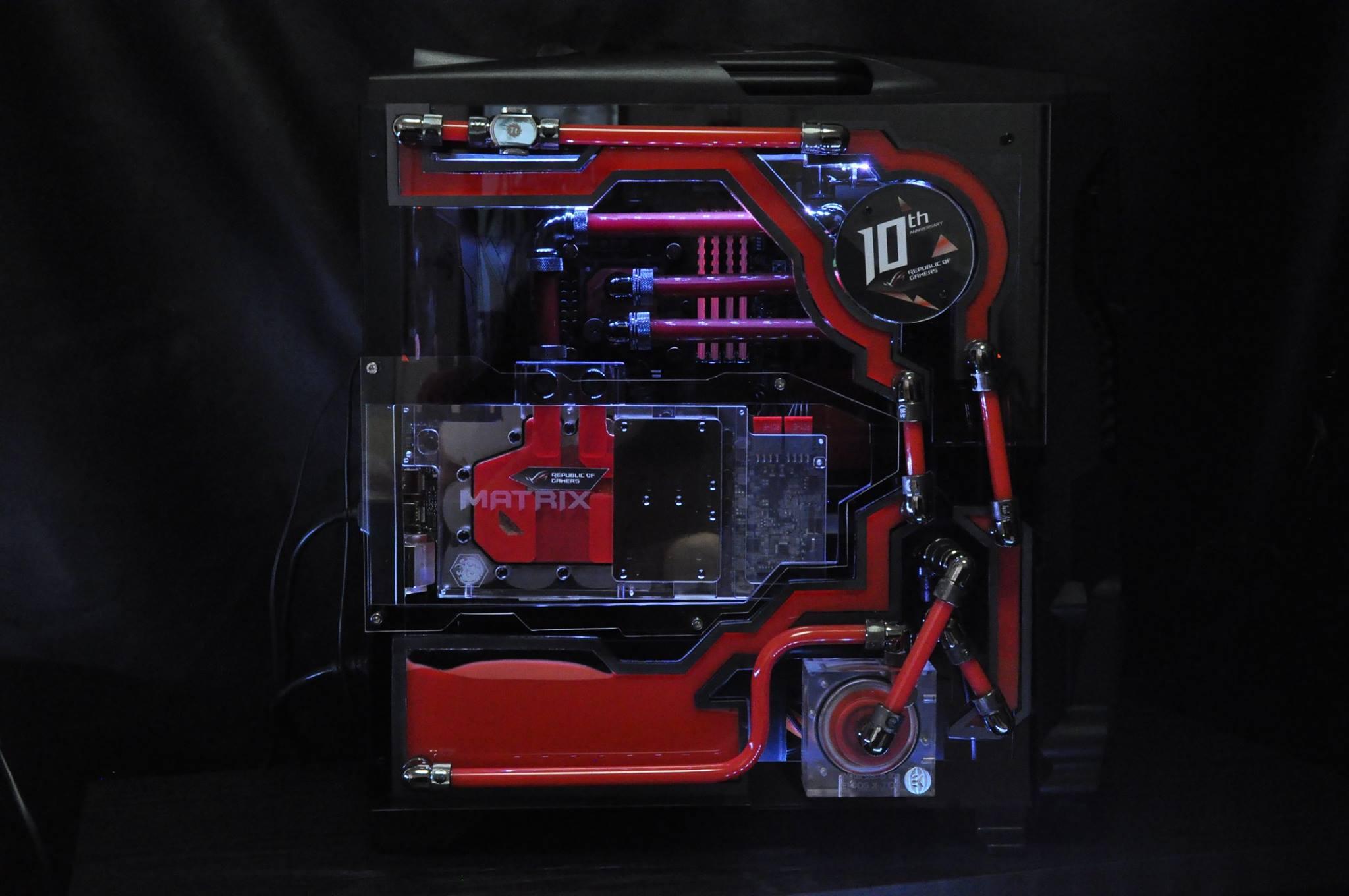 Thermaltake Versa N24 Mod for ASUS ROG 10th Anniversary par Reaper Mods