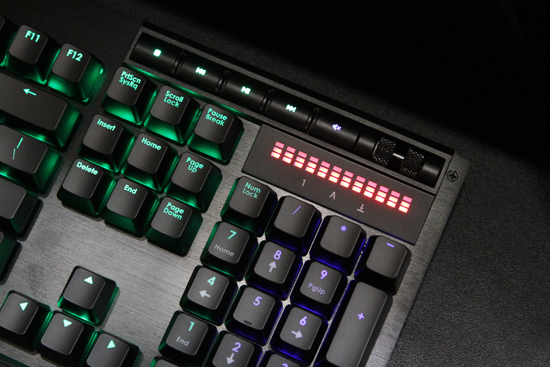 G.Skill étoffe sa gamme de claviers avec le KM770, KM570