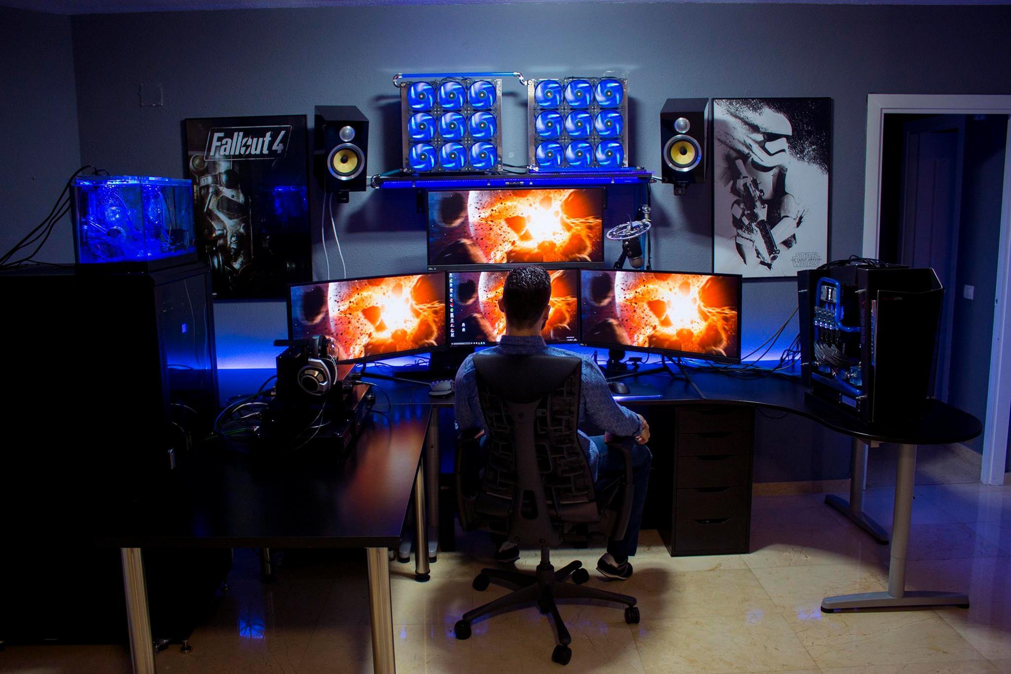 [MOD] The Command Center