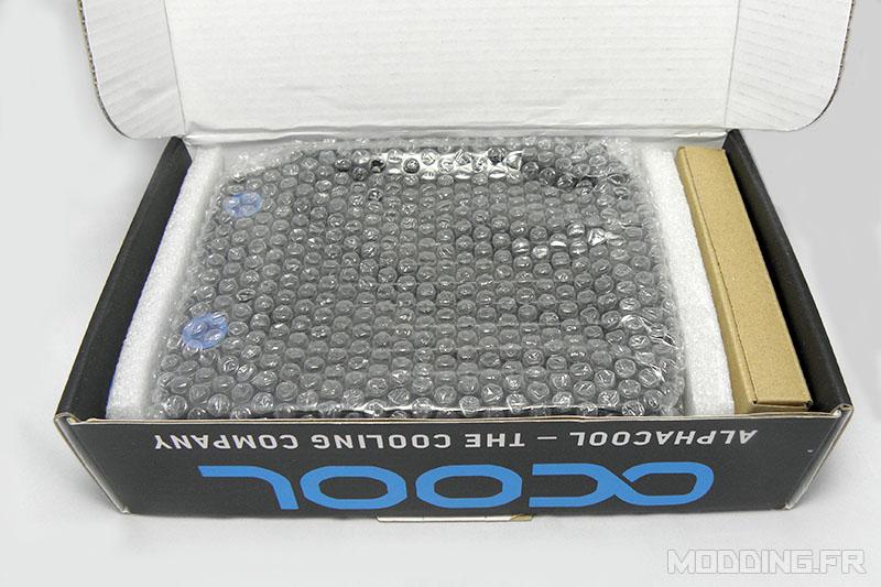 alphacool_nexxxos_xt45_120mm_box_open