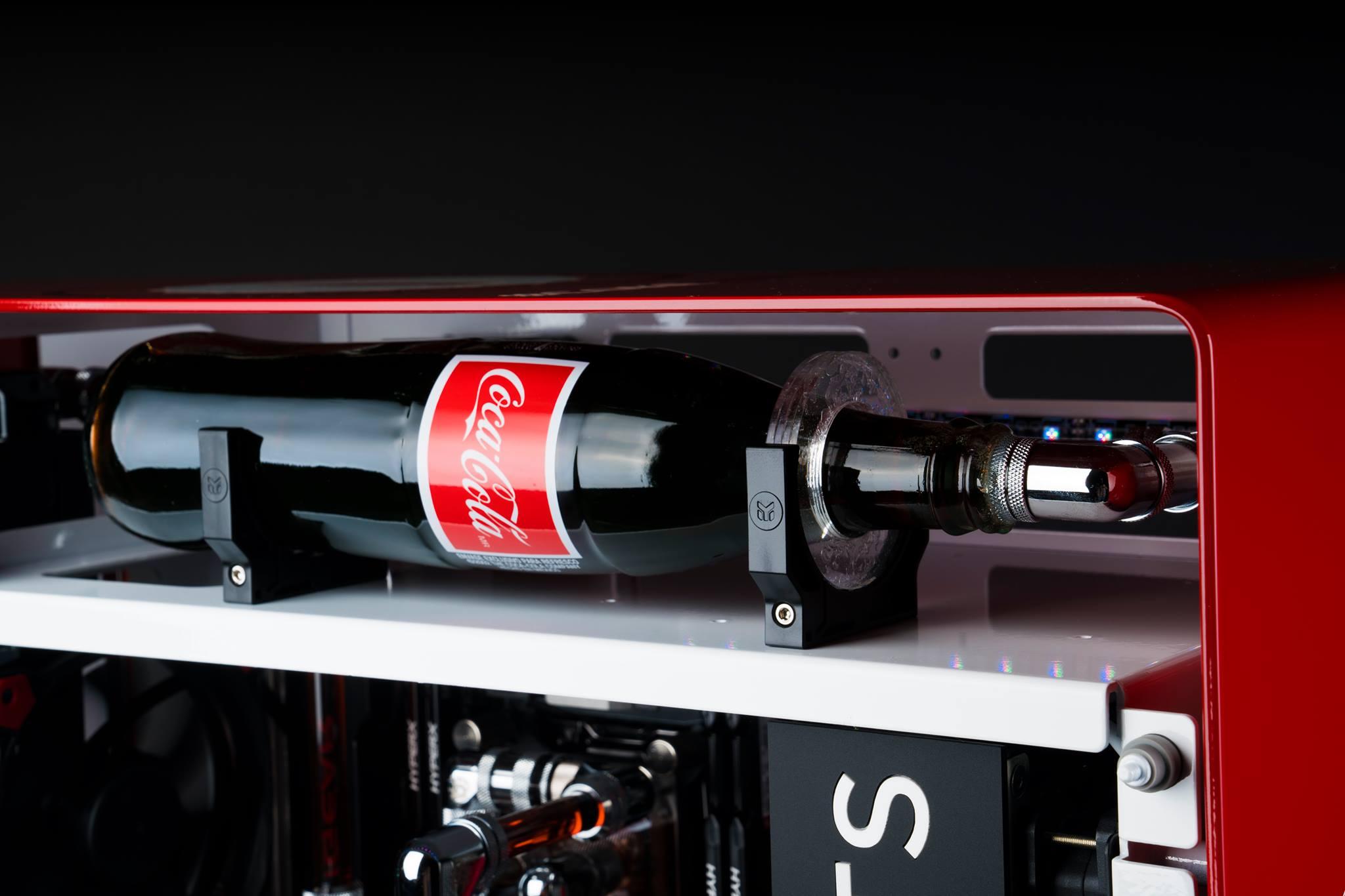 [MOD] MAINGEAR RUSH 1ofONE Coca-Cola Edition