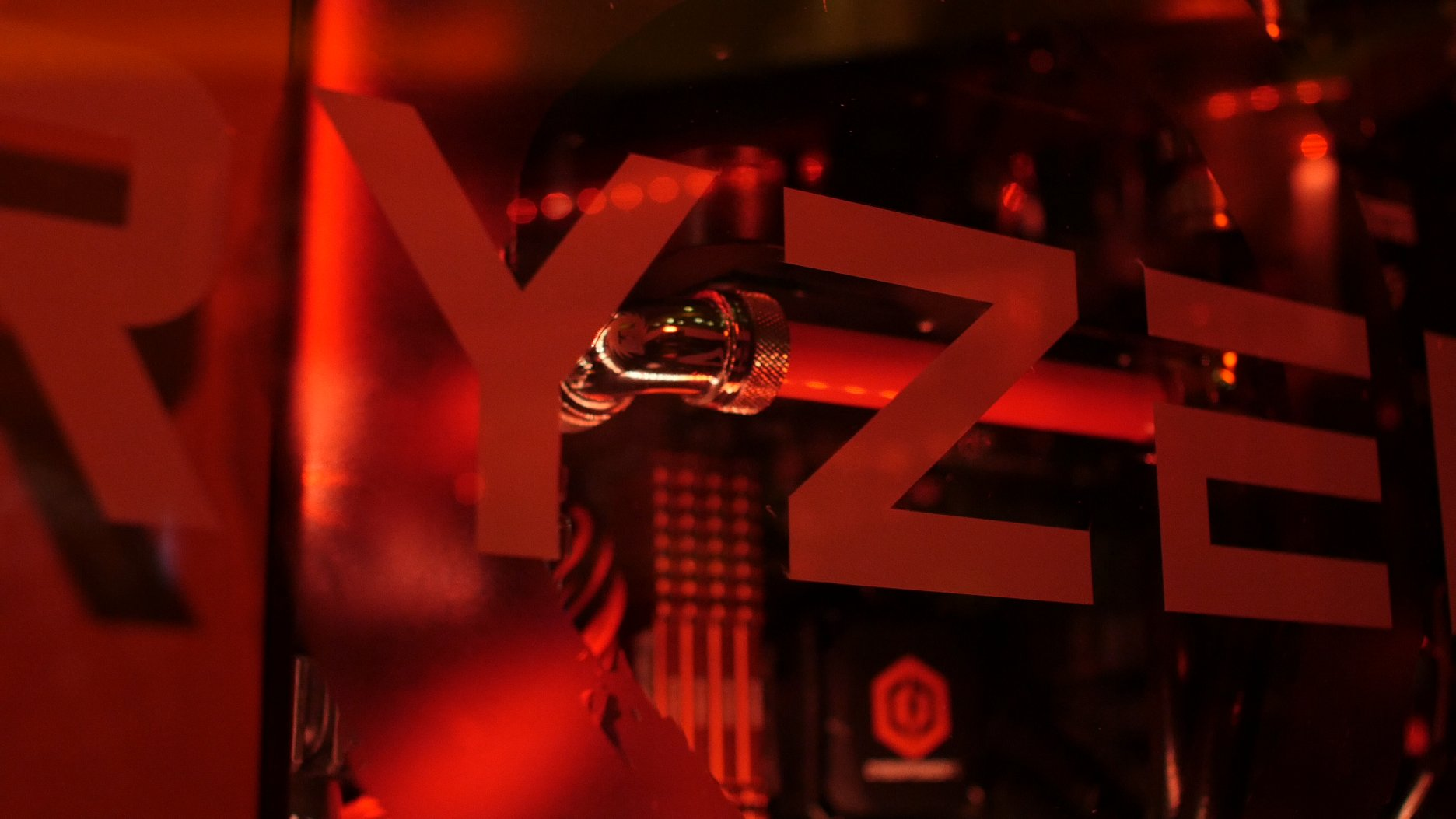 AMD Ryzen 7 1800X Vs Intel Core i7 6900K en jeu !