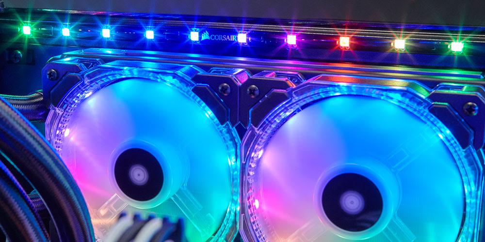 CORSAIR présente sa nouvelle gamme de contrôleurs de ventilateurs et d'éclairages CORSAIR LINK.