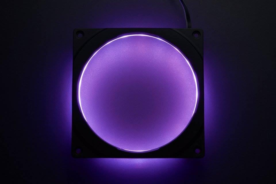 Phanteks annonce les Halos RGB fan frames et l'Enthoo PRO M édition spéciale