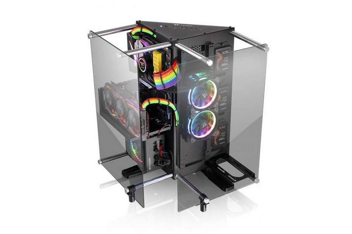 Thermaltake présente un boitier d'angle, le Core P90