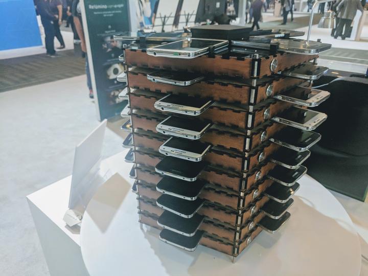 Samsung mine du Bitcoin avec 40 vieux Galaxy S5