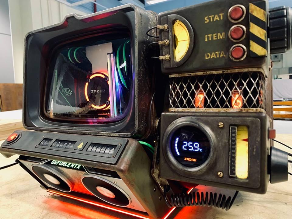 Ecran cathodique et tubes Nixies...bienvenue dans Fallout...