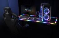 Thermaltake Level 20 RGB BattleStation: Une Table de jeu avec éclairage RGB pour 1000 euros