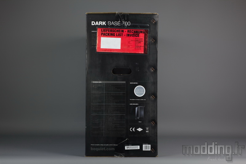 Dark Base 700 White 03