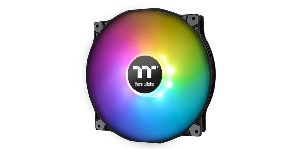 Un gros ventilateur 200mm RGBa chez Thermaltake
