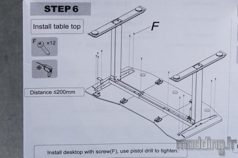 Desk D16E 147