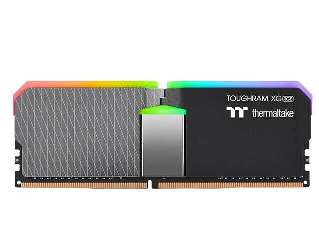 ToughRAM XG RGB DDR4 (5)
