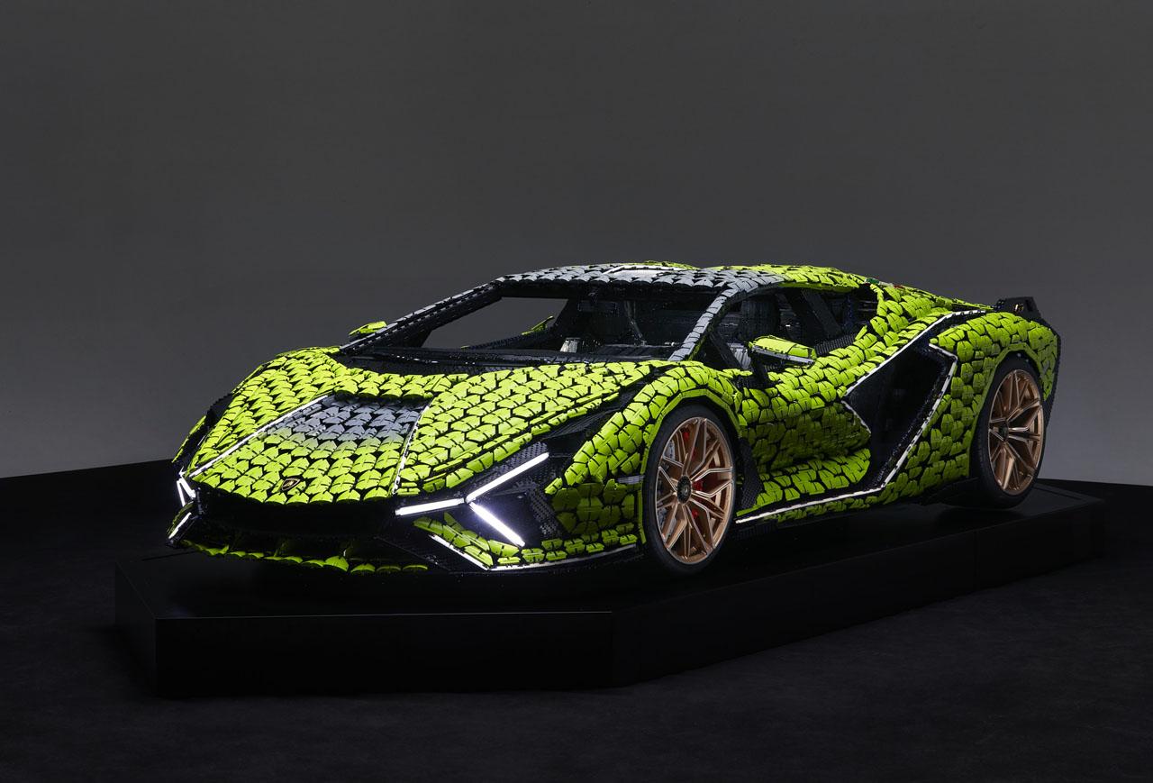 Une Lamborghini Sian FKP 37 taille réelle en Lego